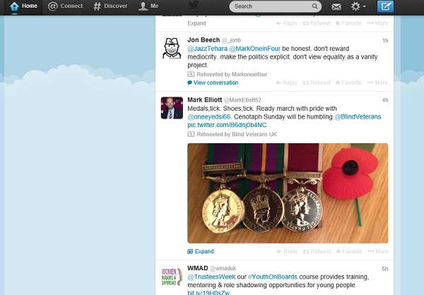 medals and poppy tweet